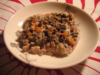 豚ヒレ肉のソテー オリーブとピクルスのクリームソース