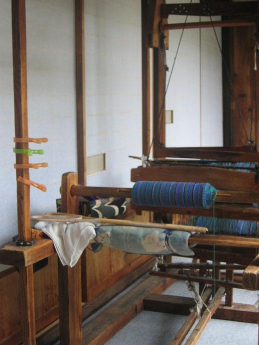 有井館の機織り
