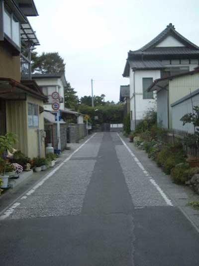 武家屋敷の名残の道