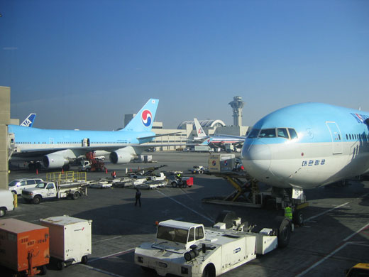 los_airport2.jpg
