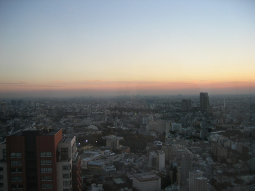 六本木ヒルズ39階からの夕日